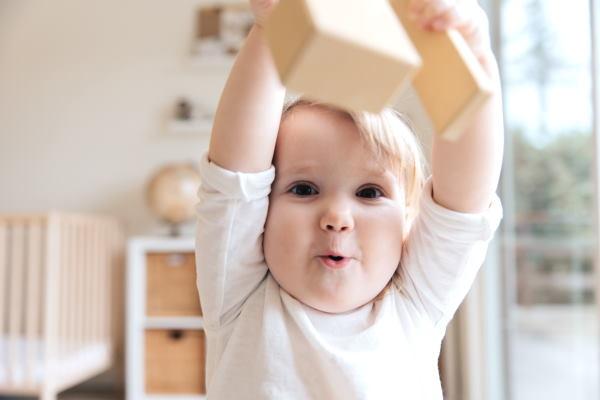 dziecko 8 miesięcy